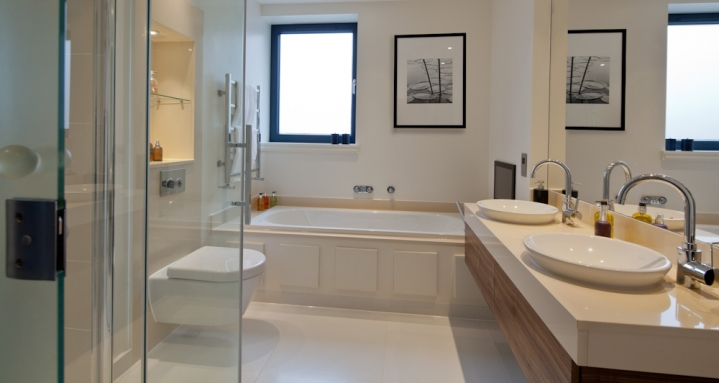 Bathroom TV Sonos Hampstead London