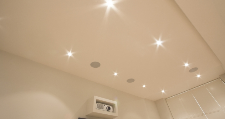 Discreet in-ceiling 7.1 using B&W CCM665 In-Ceiling speakers
