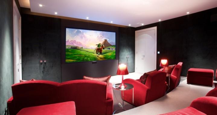 Hampstead Heath Cinema with Sony Projector