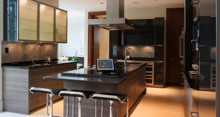 Kitchen with Crestron TPS-4000 tabletop touchpanel