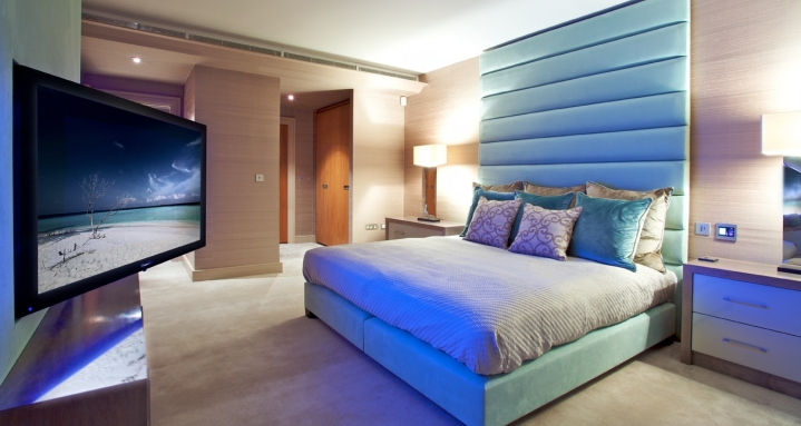 "Master Bedroom with 50"" plasma on pull & rotate wall bracket and Speakercraft Mode"